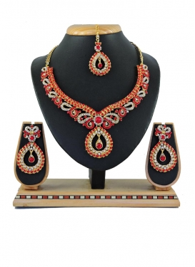 Arresting Necklace Set For Ceremonial