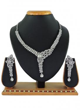 Beautiful Alloy Silver Rodium Polish Stone Work Necklace Set