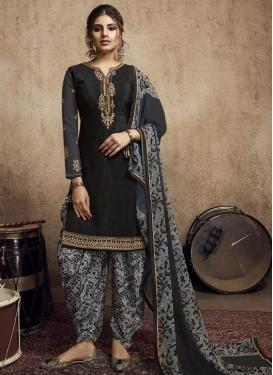 Black and Grey Crepe Silk Trendy Straight Salwar Kameez