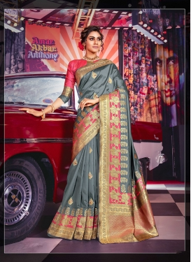 Capricious Traditional Saree For Wedding