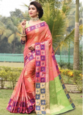 Contemporary Style Saree For Ceremonial
