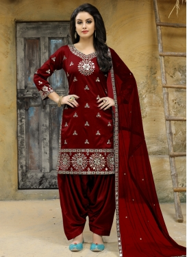 Embroidered Work Tafeta Silk Trendy Straight Suit
