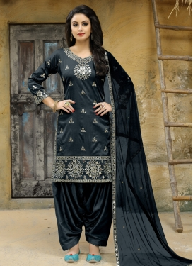 Embroidered Work Trendy Salwar Suit
