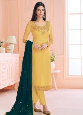 Faux Georgette Pant Style Pakistani Salwar Kameez For Ceremonial