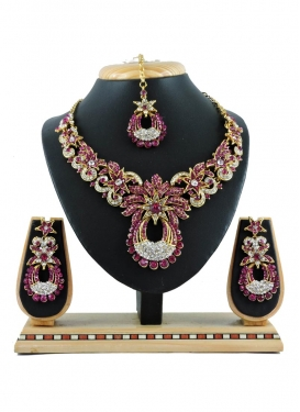 Graceful Gold Rodium Polish Stone Work Necklace Set