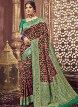 Green and Navy Blue Contemporary Style Saree