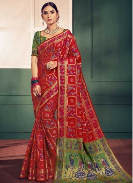 Handloom Silk Thread Work Green and Red Designer Traditional Saree