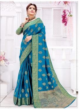 Hypnotic Art Silk Weaving Traditional Saree