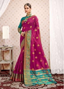 Latest Weaving Magenta Designer Traditional Saree