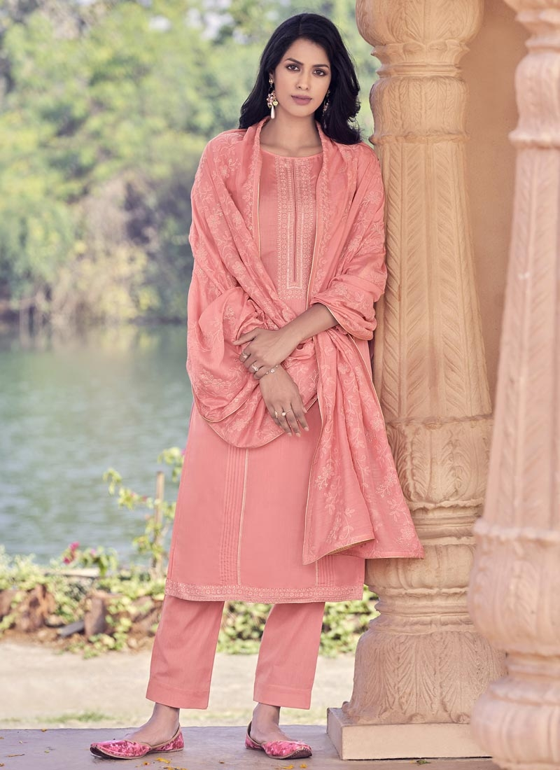 Maslin Pant Style Pakistani Salwar Kameez For Ceremonial