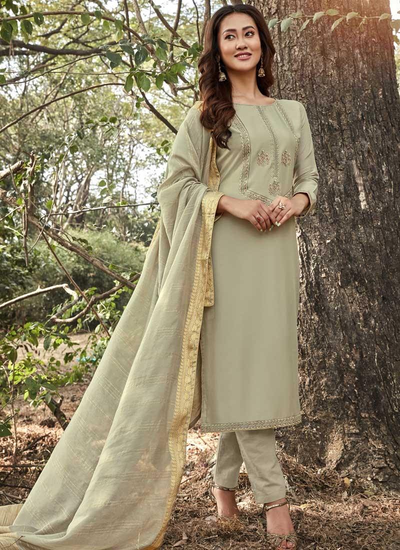 Maslin Trendy Pakistani Salwar Kameez