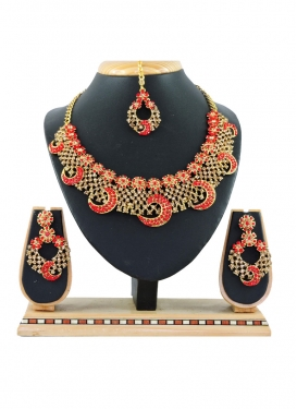 Modest Gold and Tomato Alloy Necklace Set For Ceremonial