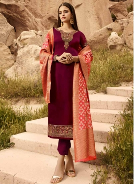 Pant Style Pakistani Salwar Kameez For Party