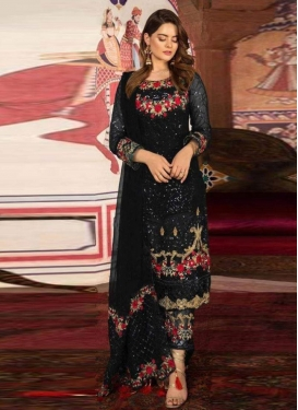 Pant Style Pakistani Salwar Suit For Ceremonial