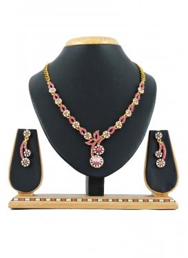 Regal Alloy Necklace Set