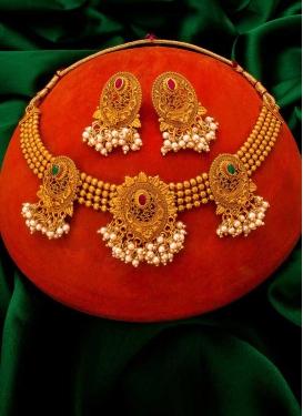 Sumptuous Alloy Gold Rodium Polish Necklace Set