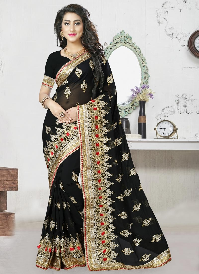 Superb Trendy Classic Saree For Festival