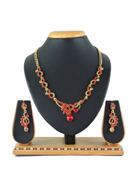 Swanky Alloy Gold Rodium Polish Gold and Red Stone Work Necklace Set