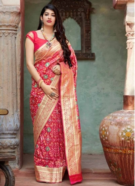 Thread Work Contemporary Saree For Festival