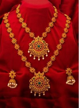 Trendy Beads Work Gold Rodium Polish Necklace Set For Bridal