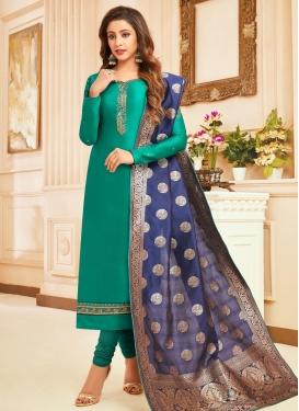 Trendy Pakistani Salwar Suit
