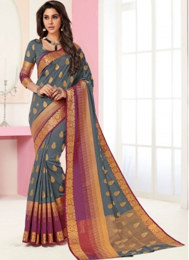 Trendy Traditional Saree For Festival