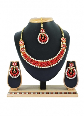 Versatile Gold Rodium Polish Necklace Set For Ceremonial